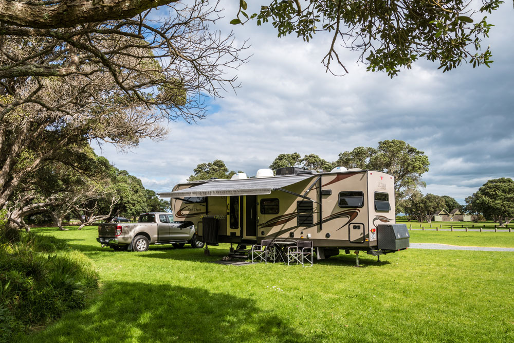New Motorhome Awning on a 5th Wheeler Hawkes Bay