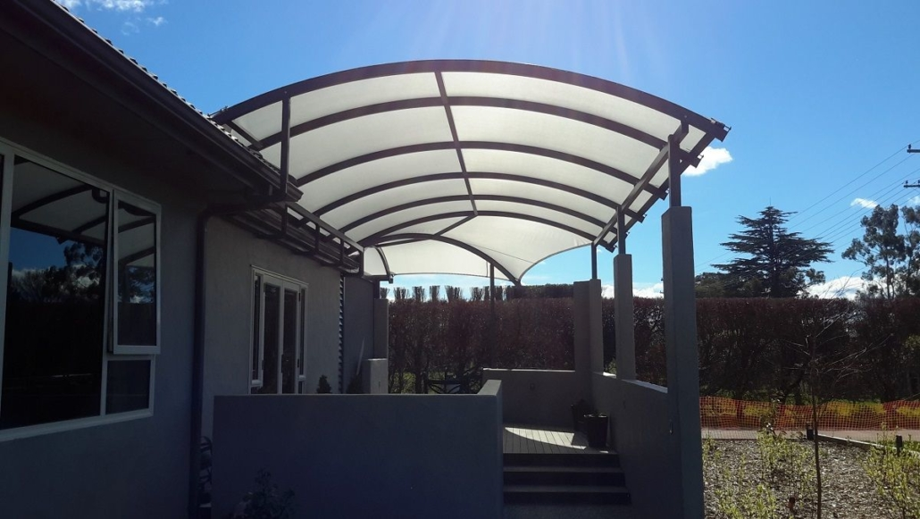 Award winning Alitex curved canopy install by Douglas Hawkes Bay